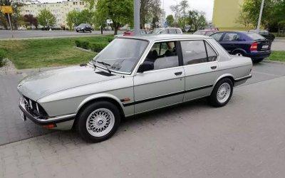 BMW E28 1982