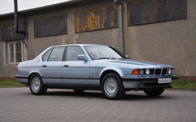 BMW 750i E32 1990