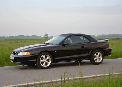 ford-mustang-convertible-001