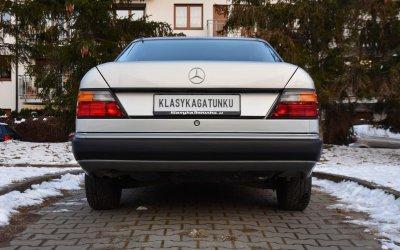Mercedes-Benz 200E W124 1990