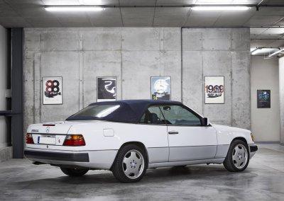 Mercedes_300_CE12