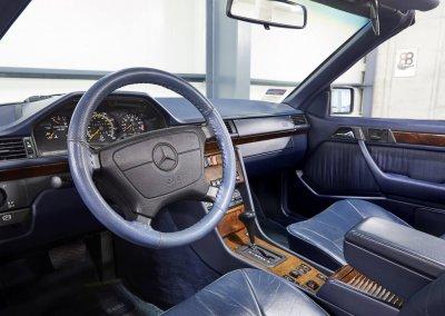 Mercedes_300_CE15