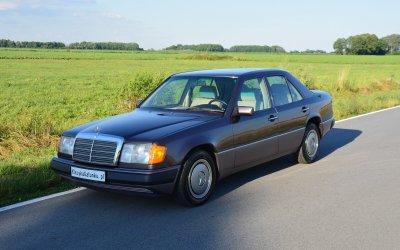 Mercedes-Benz 250D W124 1990