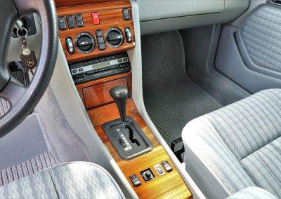 mercedes-300te-s124-28