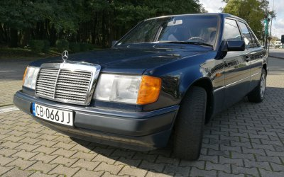 Mercedes-Benz 230E W124 1990