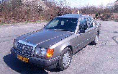 Mercedes-Benz 260E W124 1988