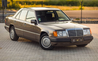 Mercedes-Benz 300E W124 1990